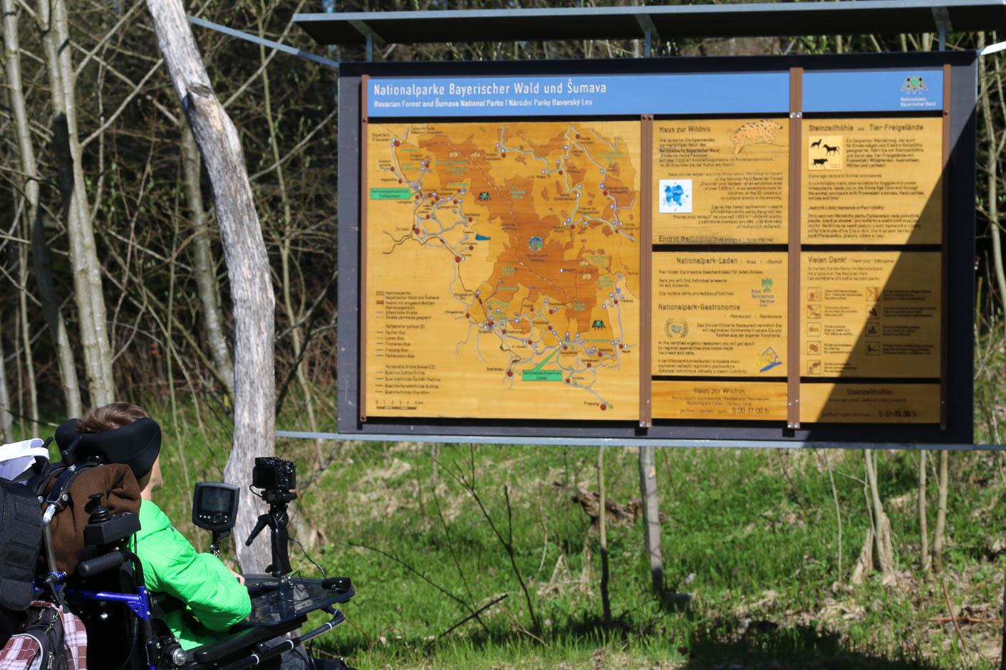 Info-Tafel im Bereich des Einganges