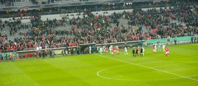 Mit Freikarten beim FC Bayern im Stadion